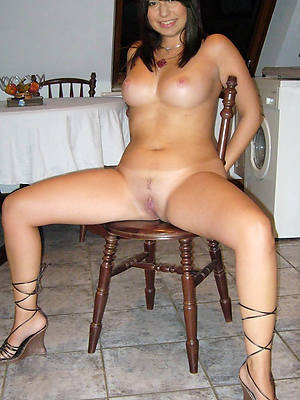 naked pics of crestfallen mature woman over 30