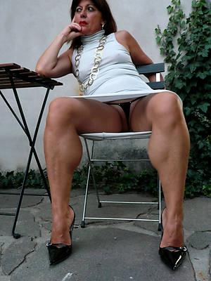 mature panties upskirt pics