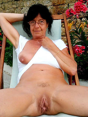 naked grandmothers shows pussy