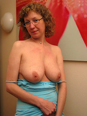 sexy full-grown singles amature full-grown home pics