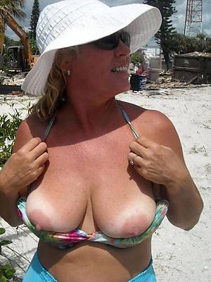 mature ladies breast amature adult home pics