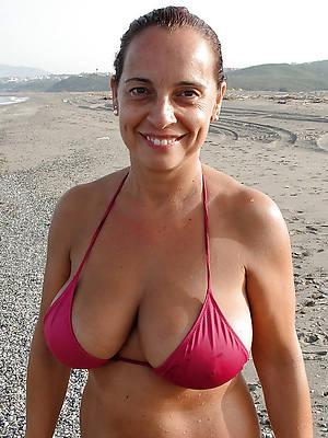 mature in bikinisfree amateur