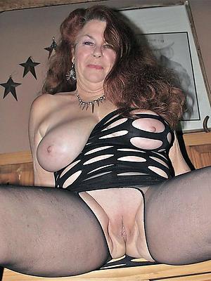 slutty mature shaved pussy pics