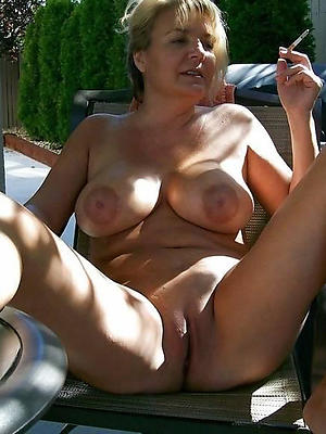 comely mature shaved women