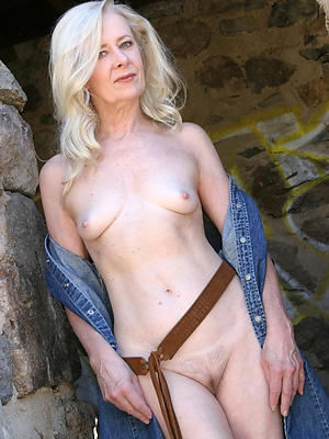 beautiful small titted mature pictures