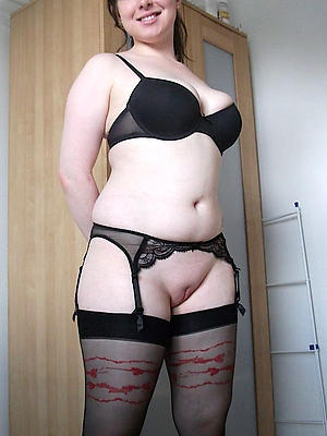 xxx pictures be worthwhile for mature women in stockings