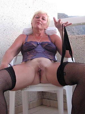 bonny xxx mature stockings