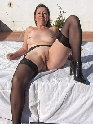 pictures of mature battalion in stockings