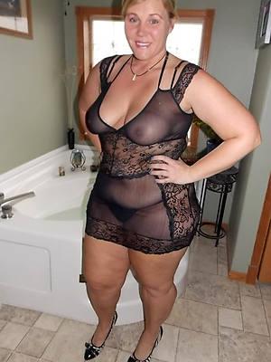 amateur mature more lingerie pics