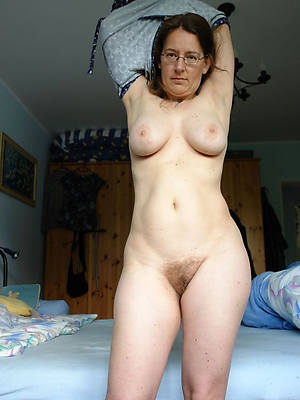 free porn pics of of age busty amateurs