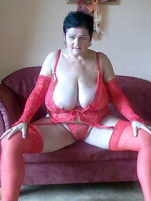 petite incomparable mature erotic photos