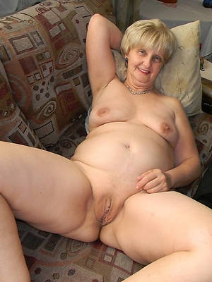 elegant XXX older mature women