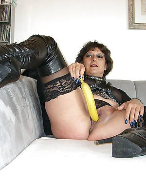 mature in rubber displaying will not hear of pussy