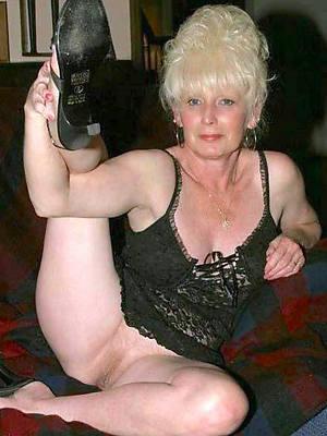 horny classic mature women sex pics