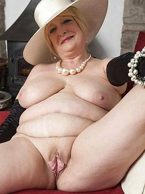 exemplar grown up nudes displaying her pussy
