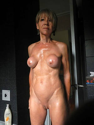 sexy shaved full-grown pussy pics