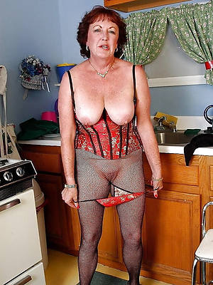 free pics of horny old housewives