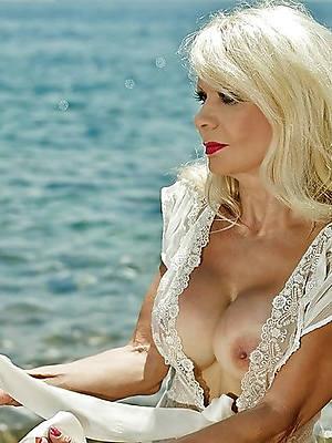 free nude beautiful mature women sex pics