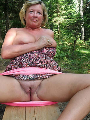 50 pedigree old mature women displaying her pussy