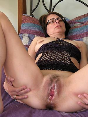 free pics of grown-up vagina