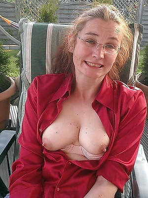 perfect mature tits tiro porn pics