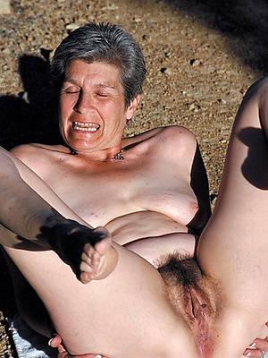 petite full-grown hairy lady nude pics