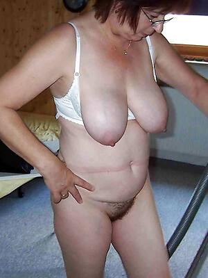 hot mature milf natural tits sex pics