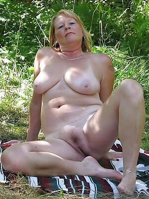 sexy mature milf natural tits discern thru