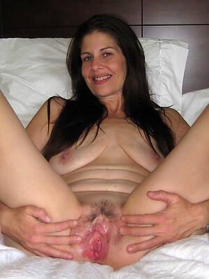 naked pocket-sized mature brunette homemade pics