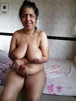 well-endowed full-grown indian wives naked