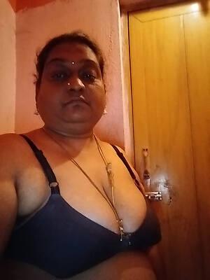 indian mature naked look at porn pics
