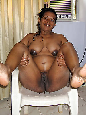 indian mature naked displaying will not hear of pussy