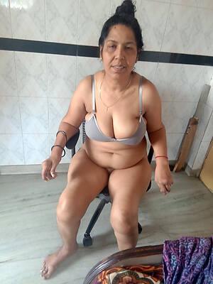 indian mature naked pics