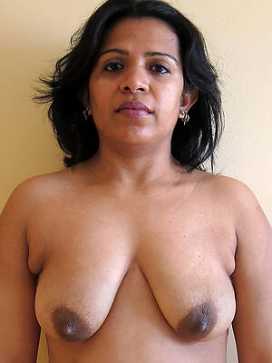 indian mature starkers pictures