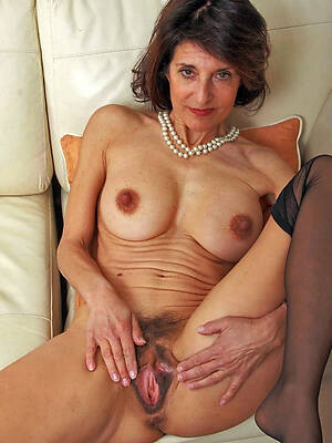 naked pics of hot mature age-old ladies