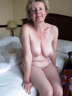 busty of age amateur nude pics