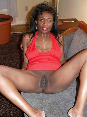 hot mature black lady pics