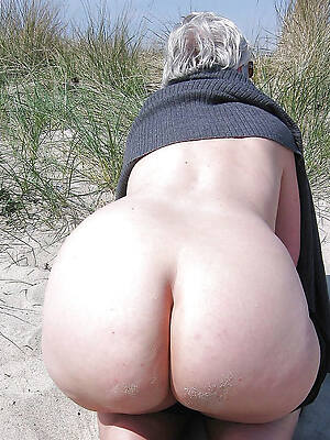 free pics be advisable for big booty mature moms