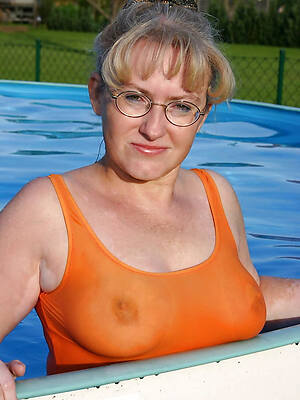 pictures of mature women close by bikinis