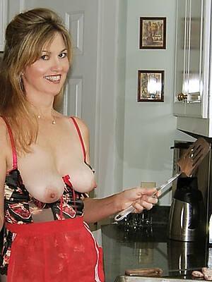 nude mature milf housewife pics