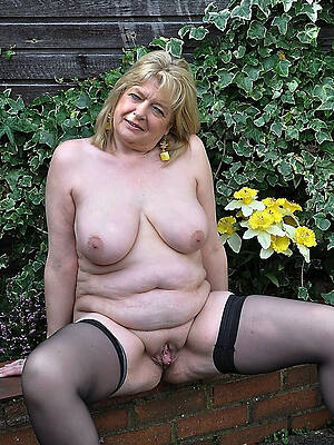 thick old women naked