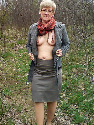 50 mature pussy pictures