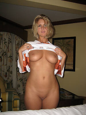 horny mature wives sex pics