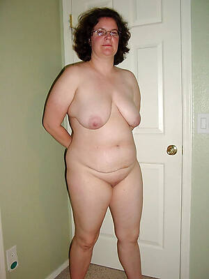 well-endowed mature blanched girls pictures
