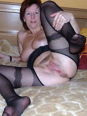 free pics of mature pussy in nylons