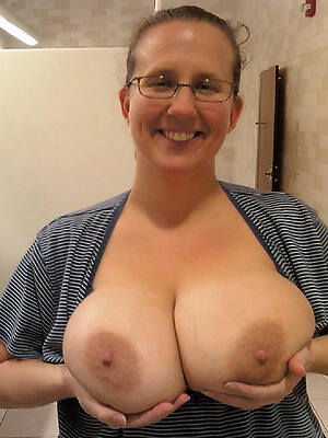 mature women with hefty tits free porn