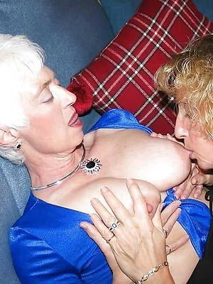 beautiful mature lesbi naked photos