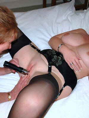 hot sexy mature lesbi sexual connection pics