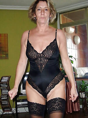 hot mature lingerie pictures