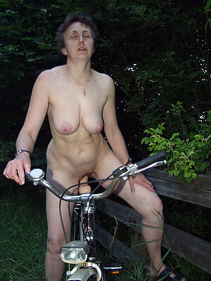midget mature nude outdoors